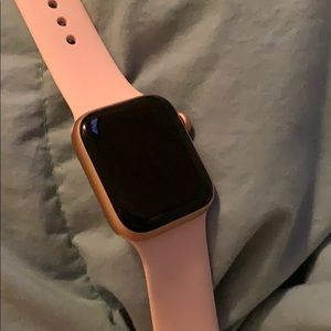 Series 4 Apple Watch 40 mm